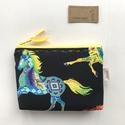 Ló mintás, színes irattartó pénztárca fekete színben