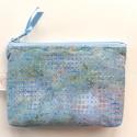 KÉTREKESZES világoskék pikkely mintás, különleges batikolt irattartó pénztárca, neszesszer, kozmetikai táska