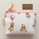 Micimackó mintás irattartó pénztárca, neszesszer - Winnie de Pooh - Artiroka design, Micimackó mintás pamut textilből készült ez a...