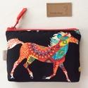 Lovas irattartó pénztárca fekete színben - Ló - piros-fekete mintás, Indián lovas, prémium pamut textilből készült...