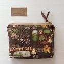 Kétrekeszes erdei kemping mintás  irattartó  pénztárca, prémium pamut textilből - Artiroka design, Kemping mintás prémium pamut textilből készül...