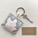 AKCIÓ - Alvó kis róka mintás kulcstartó prémium textilből  - Artiroka design