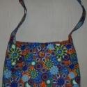 Kék virágos női táska,  Táska mérete: 35x30 cm. Füllel együtt 70 cm m...