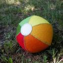 Filclabda, Színes filcből készült labda, gyapjú töltés...