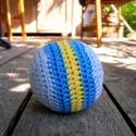 Horgolt labda csörgővel, Ez a horgolt labda a legkisebbeknek készült, bel...
