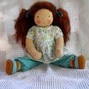 Mandula - waldorf öltöztetős baba , Mandula egy kedves, vöröses barna hajú kislány...