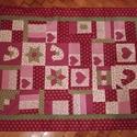 Patchwork gyerektakaró , Baba-mama-gyerek, Gyerekszoba, Falvédő, takaró, Varrás, Patchwork, foltvarrás, bordó-zöld és krém színű pamut vászonból , patchwork technikával és applikációkkal készítettem ezt ..., Meska