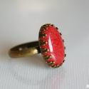 Koral jáde gyűrű, bronz színű, nikkelmentes vintage ásványgyűrű, Ékszer, óra, Gyűrű, Koral színű jáde kabosont foglaltam díszes, nikkelmentes gyűrűalapba.  A jáde ásványkaboson mérete: ..., Meska
