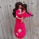 Anya és lánya, gyapjú figura, nemezelt, Dekoráció, Otthon, lakberendezés, Dísz, Asztaldísz, Hagyományos tűnemezelt technikával gyapjúszálból készült anya-lánya figura dekorációs cé..., Meska