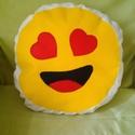 Smile díszpárna, mosolygós, Gyerek & játék, Otthon & lakás, Gyerekszoba, Dekoráció, Szerelmeseknek, Ünnepi dekoráció, Varrás, Átmérője: 35 cm. Az alapját képező fehér textil 100%-ban pamut, a smile filcből készült. Saját maga..., Meska