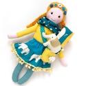 Etelka, öltöztethető Miaszösz nagylány és elefánt alvóállat, patchwork takaró, kistáska , Játék, Baba-mama-gyerek, Baba, babaház, Játékfigura, Színvilágban egymással harmonizáló pamut anyagokból varrtam ezt a nagylányos babát, saját dizájn ala..., Meska