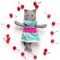 Cserkó, öltöztethető macska leány kifordítható, kétoldalas szoknyában , Játék, Baba-mama-gyerek, Plüssállat, rongyjáték, Játékfigura, Pamut anyagokból varrtam ezt a jókedvű cicát, saját dizájn alapján.  Minden apró részlet alapos gond..., Meska