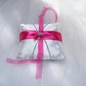 Puncs koktél gyűrűpárna, Esküvő, Gyűrűpárna, Varrás, Szaténból és műanyagból készült gyűrűpárna melynek mérete 20*18cm (a nagysága változtatható), Meska