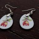 tulipános porcelán fülbevaló , Ékszer, Fülbevaló, Ékszerkészítés, csiszolt porcelán fülbevaló ezüst színű akasztóval., Meska