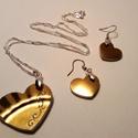 Aranyszív szett, Ékszer, Szerelmeseknek, Fülbevaló, csiszolt porcelán fülbevaló és nyakék 925-ös ezüst szerelékkel. Az aranyszív medálon egyed..., Meska