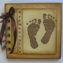 Emlékmegőrző  album  (napló) - (Családi)Kézlenyomat, Naptár, képeslap, album, Baba-mama-gyerek, Fotóalbum, Jegyzetfüzet, napló, Papírművészet, Az albumba időközönként elhelyezheted gyermeked talplenyomatát, körberajzolhatod a kis lábát, vagy ..., Meska