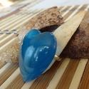 Kék bársony szív alakú gyűrű, Ékszer, Gyűrű, Mindenmás, Kék bársony szív alakú gyűrű apró csillámló porral fűszerezve. Kissé átlátszó, bársony kék gyanta é..., Meska