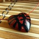 Darth Maul szív alakú műgyanta medál, Ékszer, Medál, Nyaklánc, Ékszerkészítés, Darth Maul szív alakú műgyanta medál igazán vagány színkombinációban pompázik. A Star Wars széria D..., Meska