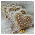 Beige- arany szivecskék, 5 db-ból álló szett, beige melír filc az alapj...