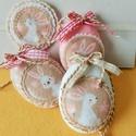 Cuki nyuszis húsvéti tojások, könyvjelzővel., A garnitúra 3 db.tojást és egy könyvjelzőt ta...