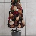 Terméses karácsonyfa, Otthon & Lakás, Dekoráció, Dísztárgy, Mindenmás, Termésekből készült karácsonyfa kaspóban. Sajátkezűleg készült termék.  Magassága 30cm .  , Meska