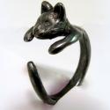 Oxidál ezüst (fekete) cicás gyűrű, Ékszer, Képzőművészet, Mindenmás, Gyűrű, Cicás gyűrű  Viaszból mintáztam a formát, utána ezüstből kiöntettem. Oxidáló folyadékkal feketítette..., Meska