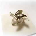 Ezüst Szélforgó gyűrű, Ékszer, óra, Esküvő, Gyűrű, Esküvői ékszer, Fémmegmunkálás, Ötvös, A papírból készült szélforgó mására készítettem ezt a gyűrűt. Maga az ékszer is forgatható!   Akár ..., Meska