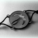 Ezüst fecske karkötő, Ékszer, Képzőművészet, Karkötő, Kifűrészelt fecske mintájú karkötő. Bármilyen más mintában eltudom készíteni! Szettben is kapható, g..., Meska