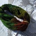 őszi erdő3- kézzel festett gyapjú fonal, 65% merinó gyapjú, 35% alpaka natur fonalból gy...
