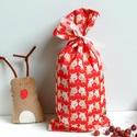 Mikulászsák --piros, Dekoráció, Ünnepi dekoráció, Karácsonyi, adventi apróságok, Ajándékzsák, Varrás, Kis textil mikulászsák egy gyönyörű Michael Miller anyagból.  30 x 15 cm  Örök darab, nem kell celo..., Meska