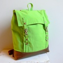 Fűzöld Hátizsák, Táska, Hátizsák, Egy ragyogó zöld canvas és egy bronzbarna színű textilbőrből készült ez a hátizsák.  Vliessel alábél..., Meska