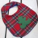 """""""Fenyőfa piros alapon""""- babaelőke , Baba-mama-gyerek, Baba-mama kellék, Karácsonykor még a baba partedlije is ünnepi legyen! Ez a fenyőfa mintás előke karácsonyi kockás szö..., Meska"""
