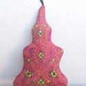 """""""Bright Xmas""""- karácsonyi ajtódísz, Dekoráció, Dísz, Lila selyemre hímzett fenyőfa mintás ajtódísz karácsonyra. Mérete: 24x15 cm., Meska"""