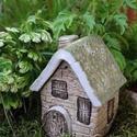 Mini házikó, Dekoráció, Otthon, lakberendezés, Dísz, Asztaldísz, Mini házikó, amely akrilból készült, öntési technikàval, és saját kézzel festve. Alkalmas..., Meska