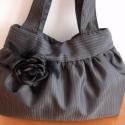 Fekete rózsa, Táska, Válltáska, oldaltáska, Alkalmi jellegű táska. Sötétszürke csíkos szaténból készült. A fekete rózsa levehető, ki..., Meska