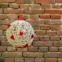 Fehér zsinór lámpa piros szívekkel / mennyezeti lámpa, Dekoráció, Otthon, lakberendezés, Lámpa, Fali-, mennyezeti lámpa, Fehér jutazsinórból készített lámpabura piros fonott szívekkel díszítve, átmérője 35 cm.  Piros elek..., Meska