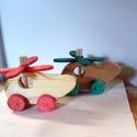 helikopter, Dekoráció, Játék, Fajáték, Készségfejlesztő játék,  fából készült gurulós helikopter .   Bioolajjal van színezve. Gondossággal készült a gyerm..., Meska