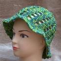 Horgolt nyári kalap zöldes színekkel, Ruha, divat, cipő, Kendő, sál, sapka, kesztyű, Sapka, 100 % pamut fonalból készült szellős nyári kalap., Meska