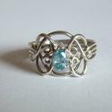 köves ördöglakat gyűrű, Ékszer, Gyűrű, 925°, sterling ezüstből készített gyűrű cirkóniával, amely az ujjról levéve 4 darabra esik szét. Így..., Meska