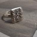 9 csiga gyűrű, Ékszer, óra, Gyűrű, Kilenc kis csiga 1,5x 1,5cm-en. Legkedvesebb gyűrűim egyike. Habár ebből több darab is készül..., Meska