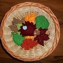 Őszi filc dekoráció, erdei állatok, süni, Baba-mama-gyerek, Dekoráció, Otthon, lakberendezés, Az állatok 8-10 cm magasak. Kérhetők akasztóval vagy anélkül. A levelek csak dekoráció, kül..., Meska