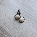 Francia kapcsos bőr beige fülbevaló , Ékszer, Fülbevaló, Francia kapcsos  fülbevaló (átmérő 12 mm) bőr díszítéssel. A fülbevaló nikkelmentes anyag..., Meska