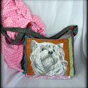 Kutyusos táska, Táska, Ruha, divat, cipő, Válltáska, oldaltáska, Tarisznya,  Tarisznya formát kapott, ez a kutyusos táska. Egy halszálka mintás pamutvászon nadrágból készült ez..., Meska
