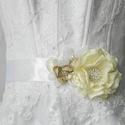 menyasszonyi öv, ruhadísz, Esküvő, Hajdísz, ruhadísz, Menyasszonyi ruha, Esküvői ékszer, Varrás, A menyasszonyi öv mérete 11 x 16 cm, 3 méter hosszú és 5 cm széles szaténszalagra rögzítve.A termék..., Meska