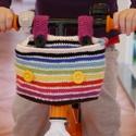 Bringás táska gyerekeknek szívárvány színben, Táska, Válltáska, oldaltáska, Tarisznya, Kosár, Horgolás, A táska gyerek kerékpárra készült. Hordható vállra akasztva is. Két pár színes gomb van rajta, az e..., Meska