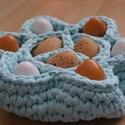 Horgolt húsvéti tojástartó, Dekoráció, Ünnepi dekoráció, Húsvéti apróságok, Horgolás, Horgolt tojástartó, húsvétra, 9 tojás tárolására alkalmas. 100% pamut fonalból készült. Mérete: - 6..., Meska