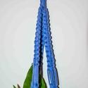 Kék makramé virágtaró 2., Otthon, lakberendezés, Kaspó, virágtartó, váza, korsó, cserép, Csomózás, Makramé virágtartó  Kézzel készült termék. Anyagok: Pólófonal; fakarika  Hossz: 61 cm ( az anyag ny..., Meska