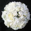 Bűbájos fehér menyasszonyi csokor , Esküvő, Esküvői csokor, Virágkötés, 45 szál különböző rózsából és gipsophilából kötöttem ezt a dús csokrot. Elegáns,ünnepélyes,egyedi. ..., Meska