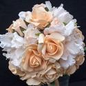 AKCIÓS!Árnyalatok összhangja menyasszonyi csokor , Esküvő, Esküvői csokor, Virágkötés, Beige,ekrü,barackszín árnyalatokban játszik ez a rózsa és bazsarózsa csokor.Term?szetes szépségében..., Meska