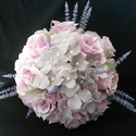 Orgona és levendula menyasszonyi csokor, Esküvő, Esküvői csokor, Virágkötés, Orgona színű selyem rózsából,pár szál levendula ágból kötöttem ezt az egyedi színvilágú csokrot.A k..., Meska